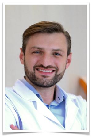 Dr Dawid Serafin